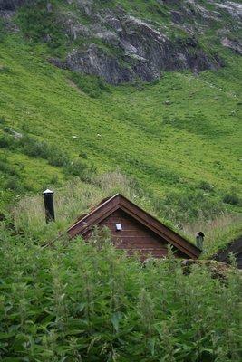 Grassed hut, Urasetra