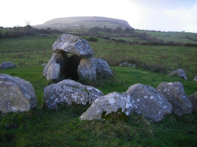 megalighis tomb
