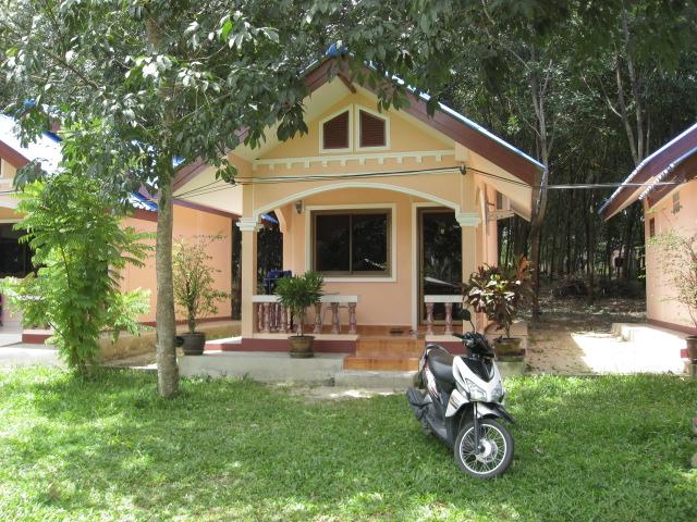 Bungalow Motorbike