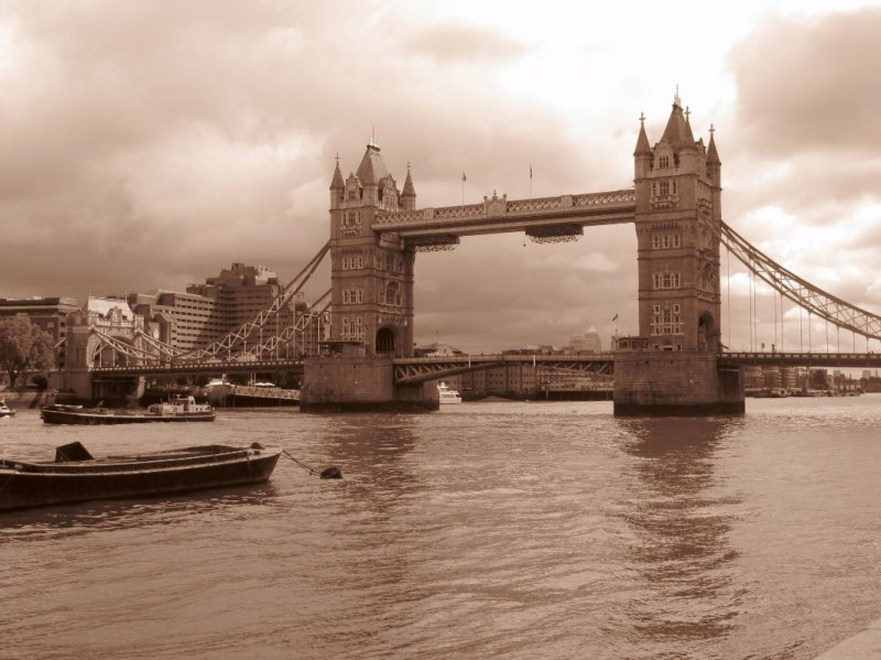 Tower Bridge, sepia
