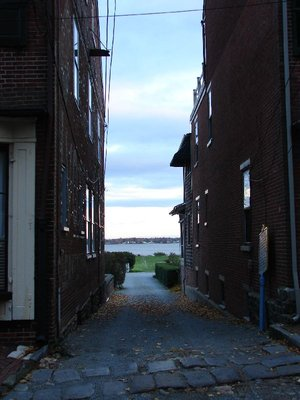 Day 76 - New Castle, Plum Alley