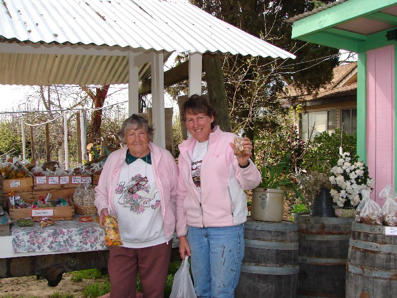 Day 194 - Tony's Fruit Stand, Mom & JL