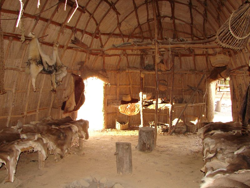 Day 91 - Jamestown Stlmt, Powhatan Dwelling Interior