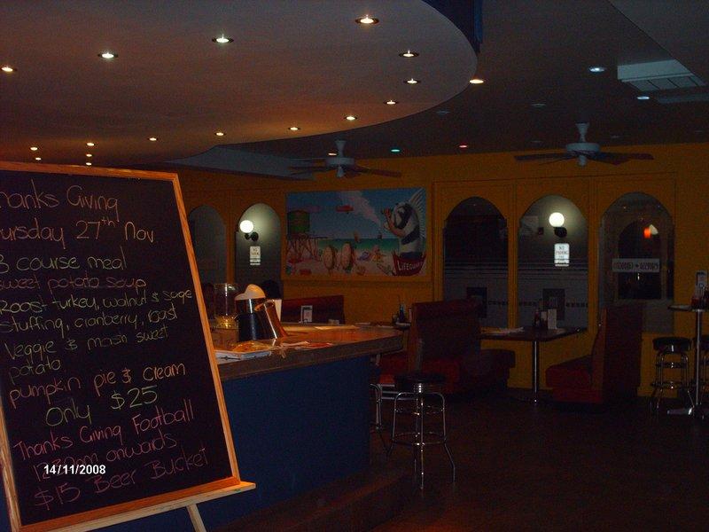 New Wave Diner on Grace Bay Road