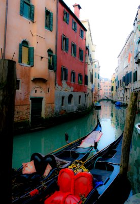 Vibrant Gondola's