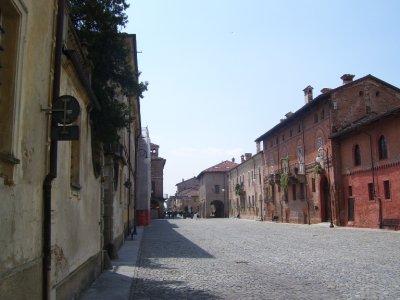 Cherasco__.._street.jpg