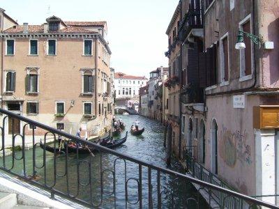 Gondala_s_of_Venice.jpg