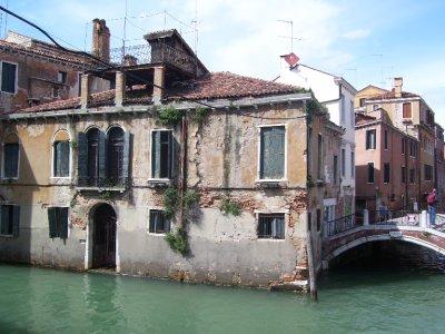Old_house_in_Venice.jpg