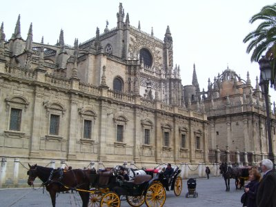 Seville_and_carriages.jpg