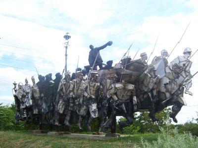 Strange statues!