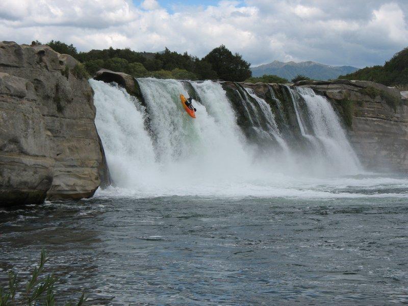 Crazy Kayaking Kiwis