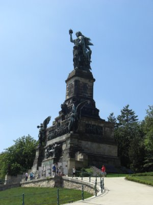 Neiderwald Monument