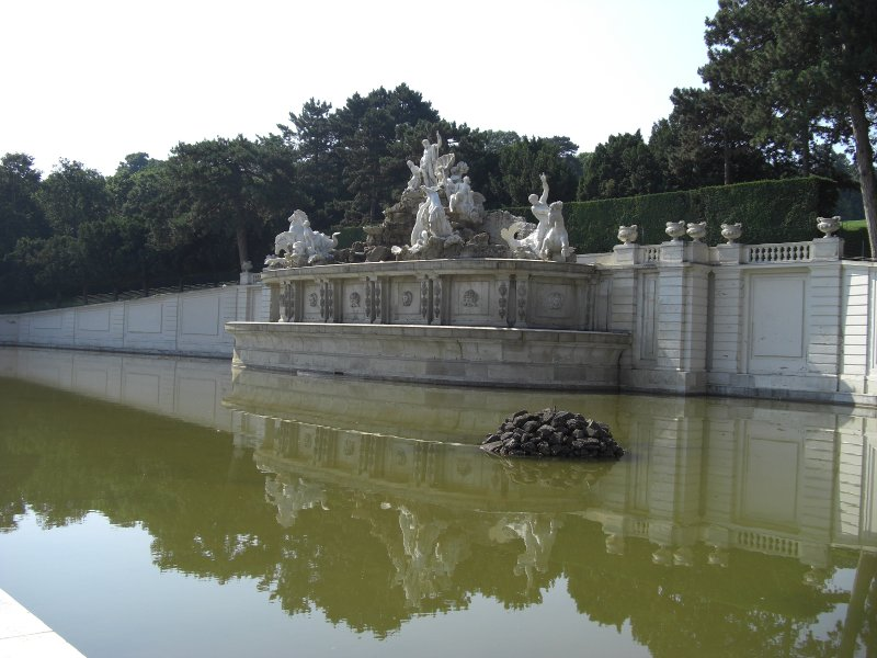 Neptune Fountain Schonbrunn