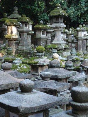 japan_stonelanterns