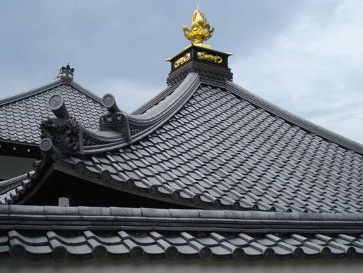 japan_templeroof