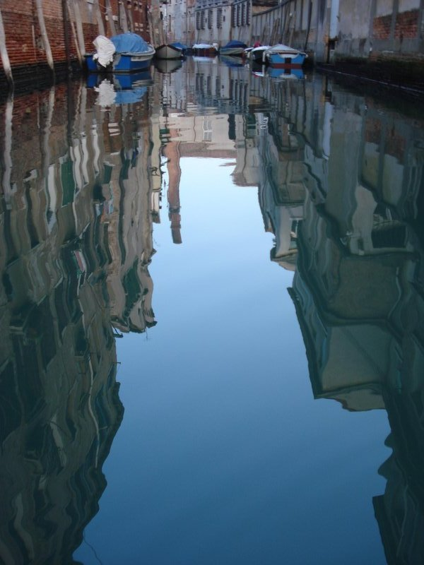 venice water reflect