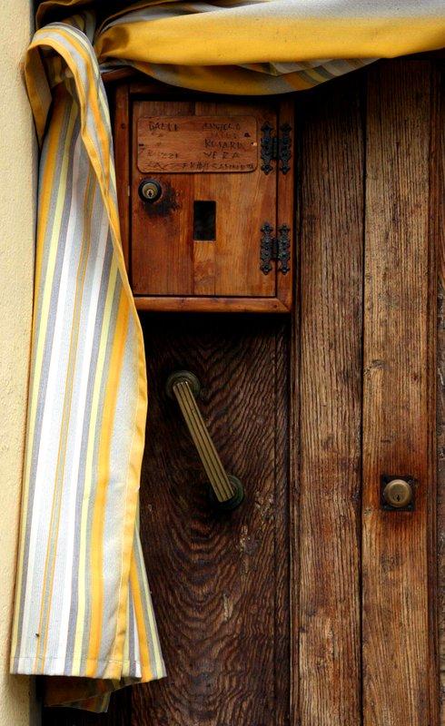 Door in Loro