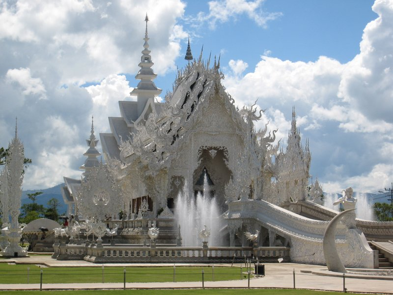 TH-The White Temple in Chiangmai