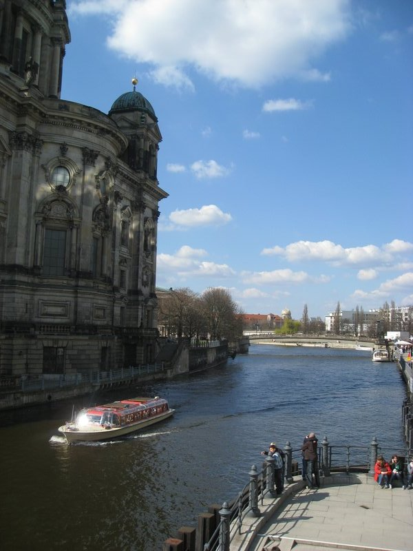 River Spree and Berliner Dom