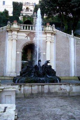 Dragons Fountain, Villa d'Este, Tivoli
