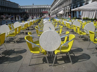 Venice Marks square empty tables [1280x768]