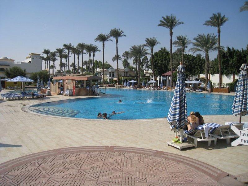 large_Cairo_Pool__1280x768_.jpg