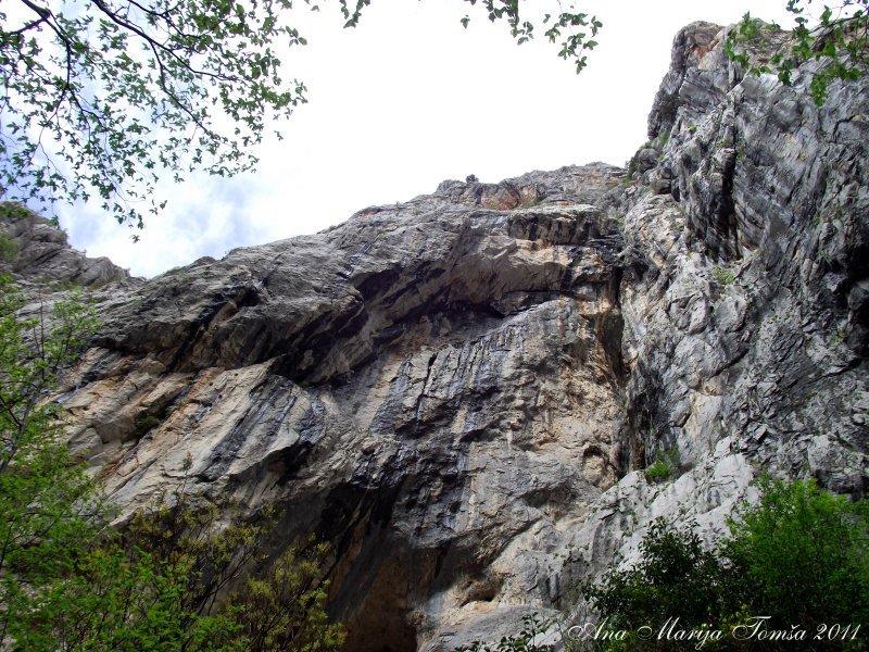 VPaklenica-April2012-canyon