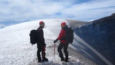 Am Rande des Kraters auf dem Villarica Vulkan