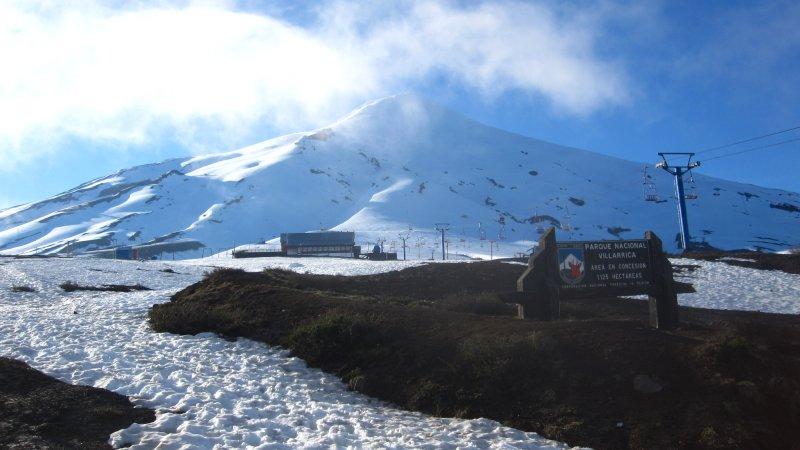 Vor dem Aufstieg am Vulkan Villarica