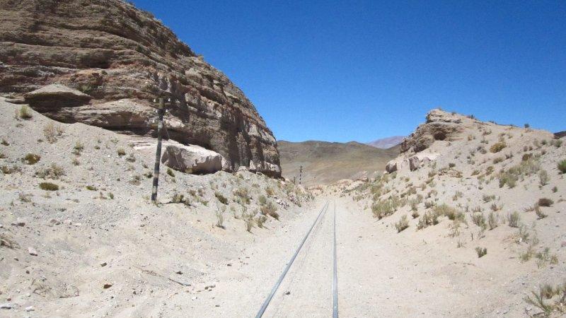 Schienen des Tren a las Nubes in der Naehe von San Antonio de los Cobres