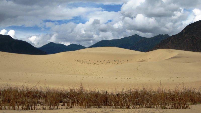 Sandduenen auf dem Weg nach Samye
