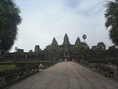 Angkor_AngkorWatFront.jpg
