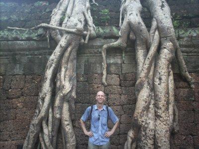 Angkor_TaP..bRoots1.jpg