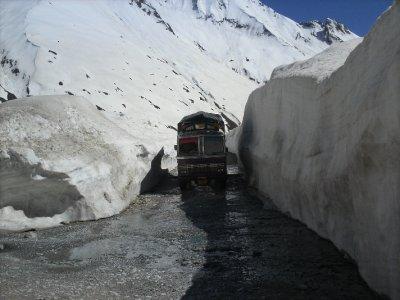 Ladakh_ZojiLaSnow.jpg