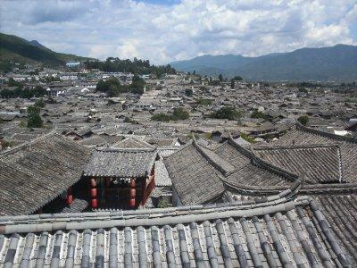 Lijiang_OldTownRoofs.jpg