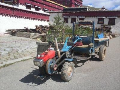 Litang_Mon..Tractor.jpg