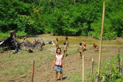 NongKhiaw_Kids.jpg