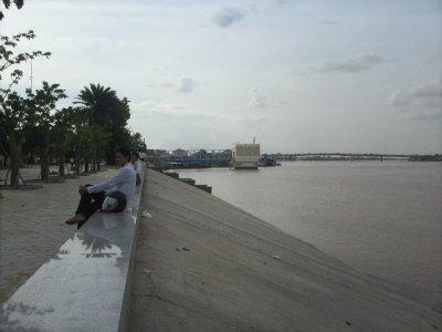 PhnomPenh_..apRiver.jpg
