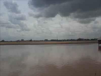 PhnomPenh_Lakefill.jpg