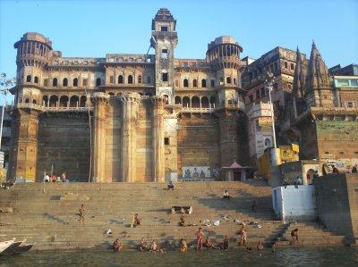 Varanasi_GangaBathing.jpg