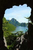 9. El Nido hole in the wall