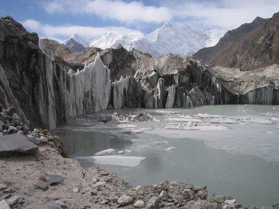 Ngozumpa glacier & Cho Oyu (8201m), Everest trek