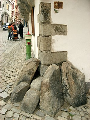 Corner stones, Cesky Krumlov