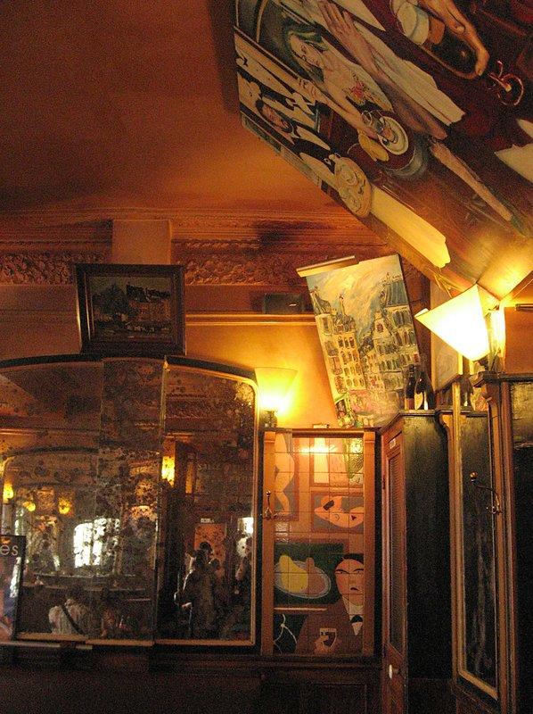 Inside Cafe la Pallette