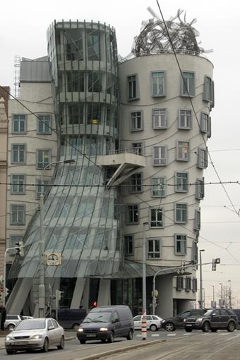 Dancing Building 4
