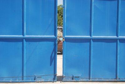 Closing Gate