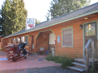 Joe's Motel near cartar lake