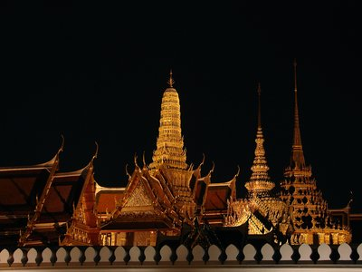 Wat Phra Kaeow at night