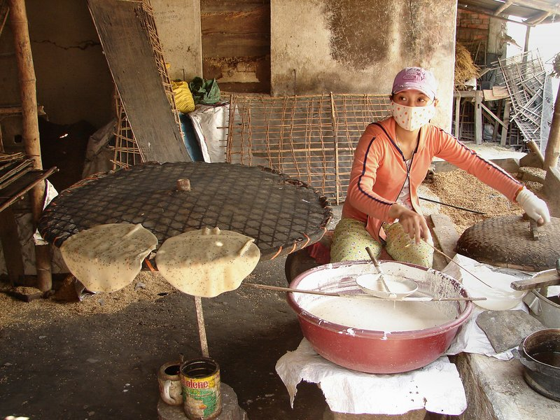 Making rice paper 2