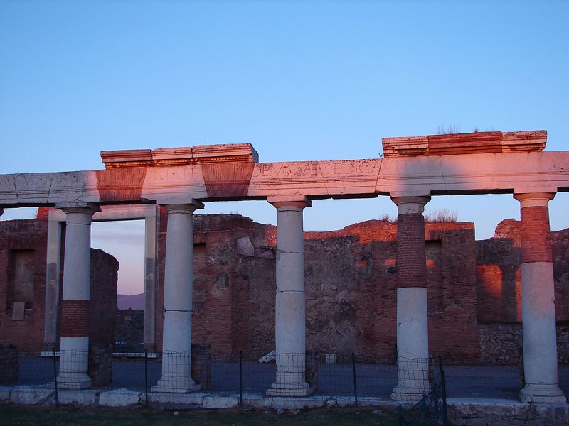 Forum colonnade